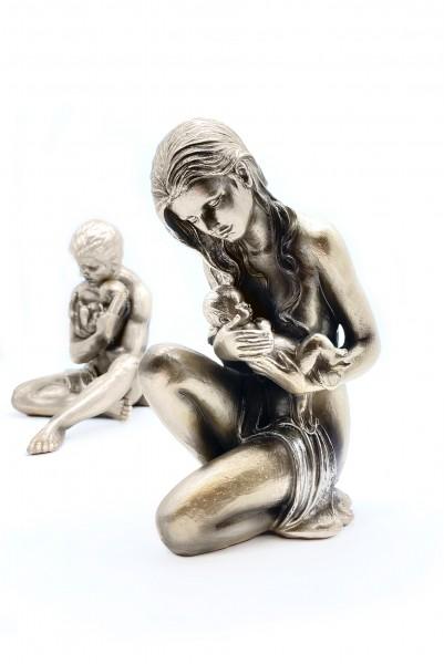 """Skulptur """"Fürsorge"""" Poly, bronzefarben"""