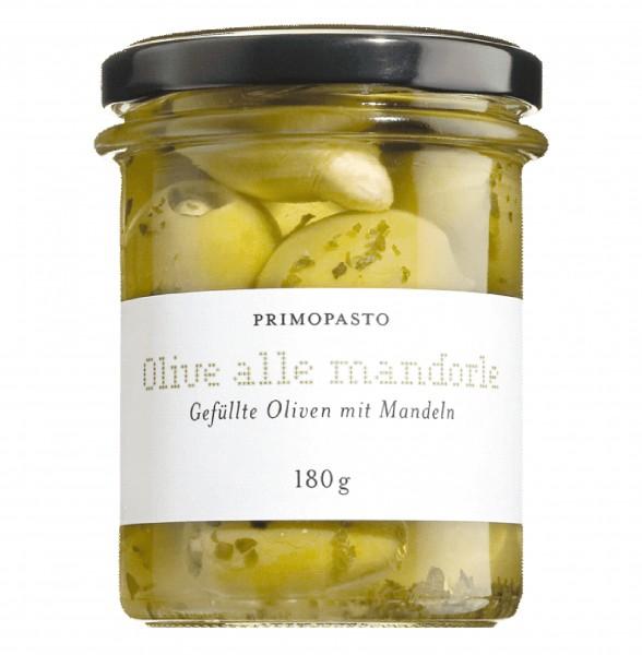 Grüne, entsteinte Oliven mit Mandeln